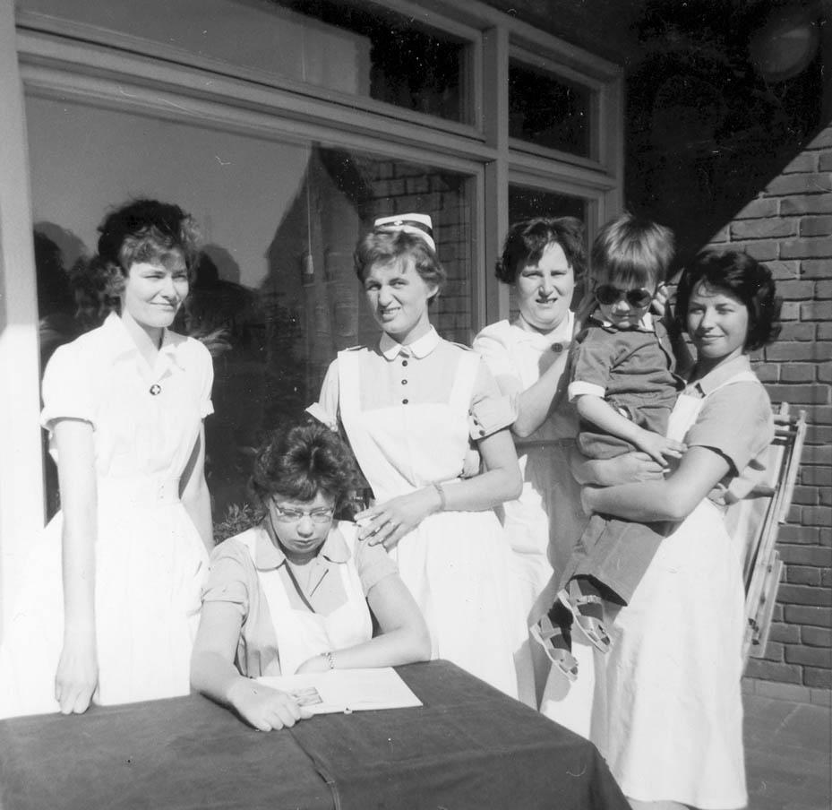 På ögonavdelning 2:s balkong 1961